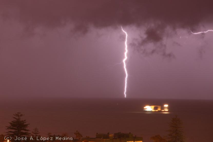 Los barcos favorecen la actividad tormentosa en los océanos
