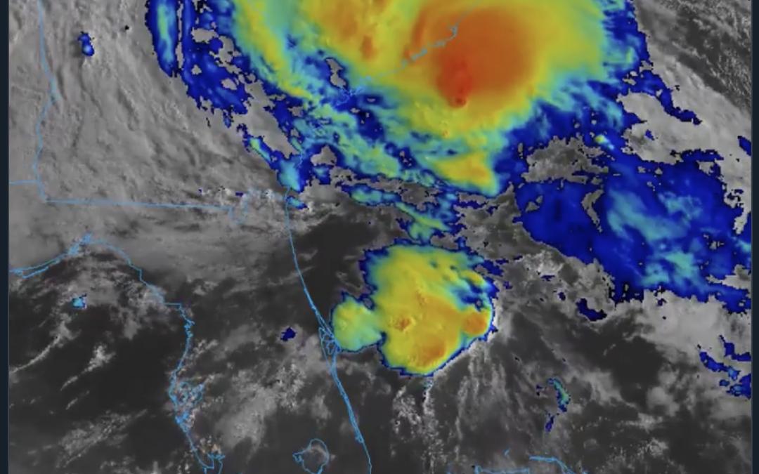 La efímera tormenta tropical Bertha toca tierra en Carolina del Sur.