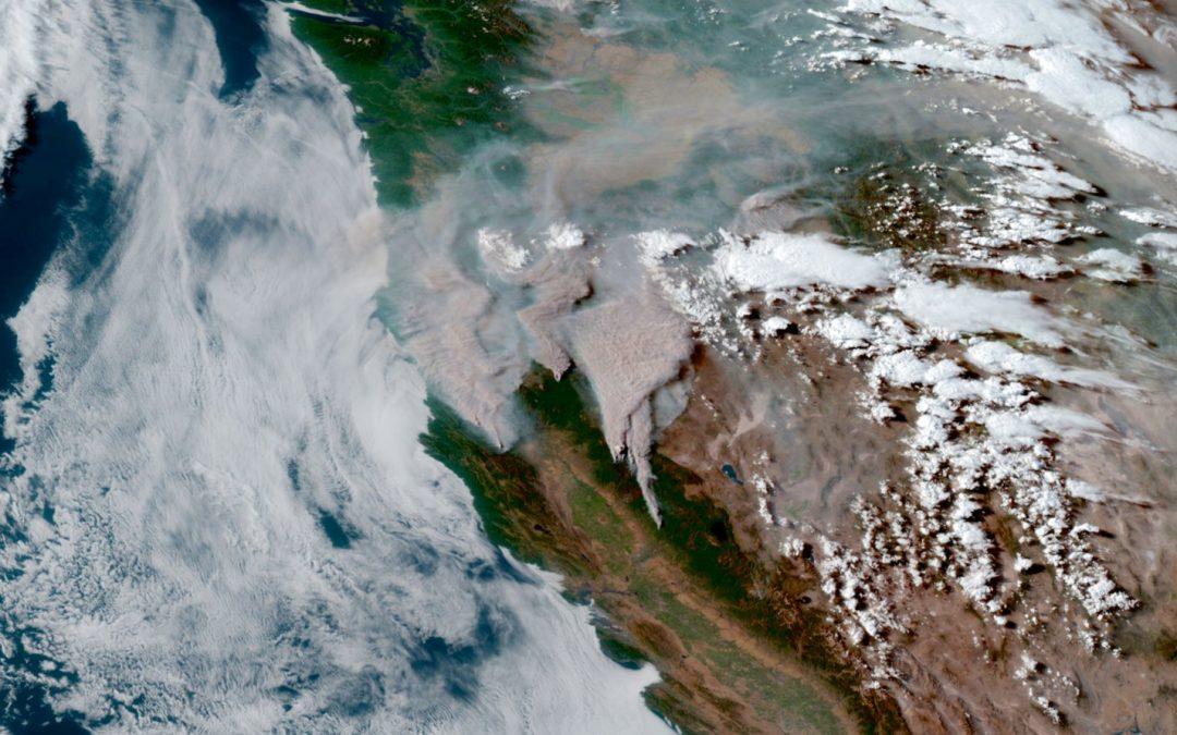 Incendios forestales masivos cubren de humo al Hemisferio Norte