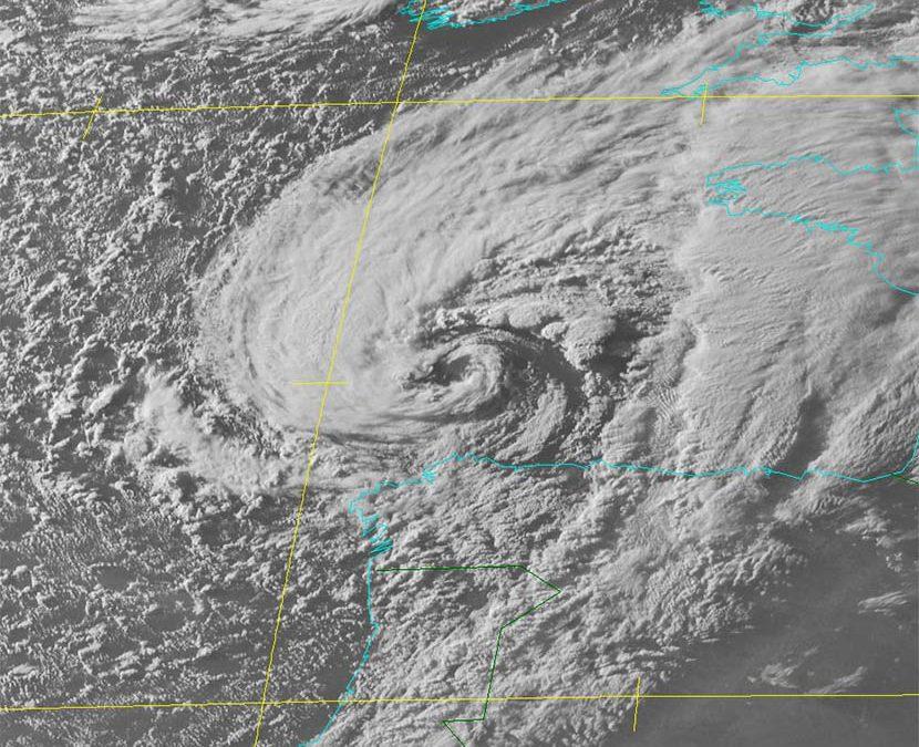 Borrasca Miguel: ciclogénesis explosiva, seclusión cálida y tropical like cyclone