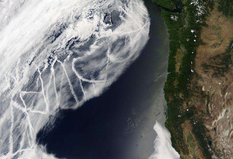 Blanquear las nubes para enfriar la Tierra